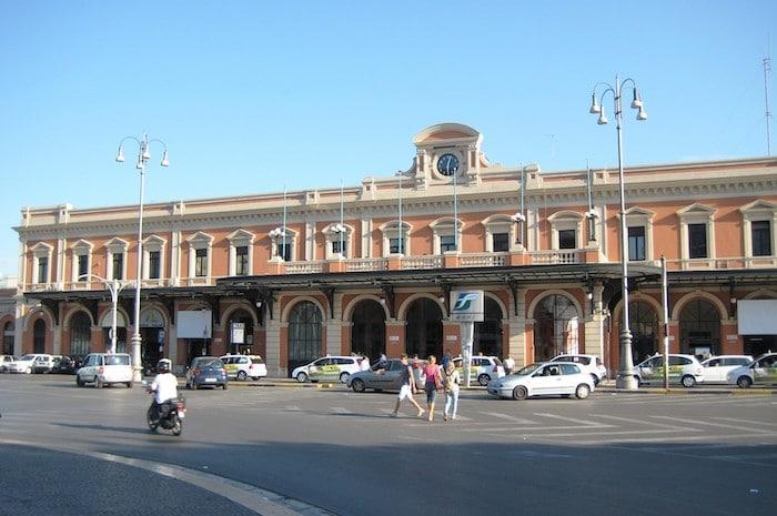 Estación de Trenes de Bari