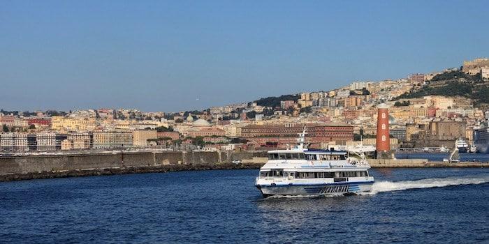 Ferry de Palermo a Nápoles